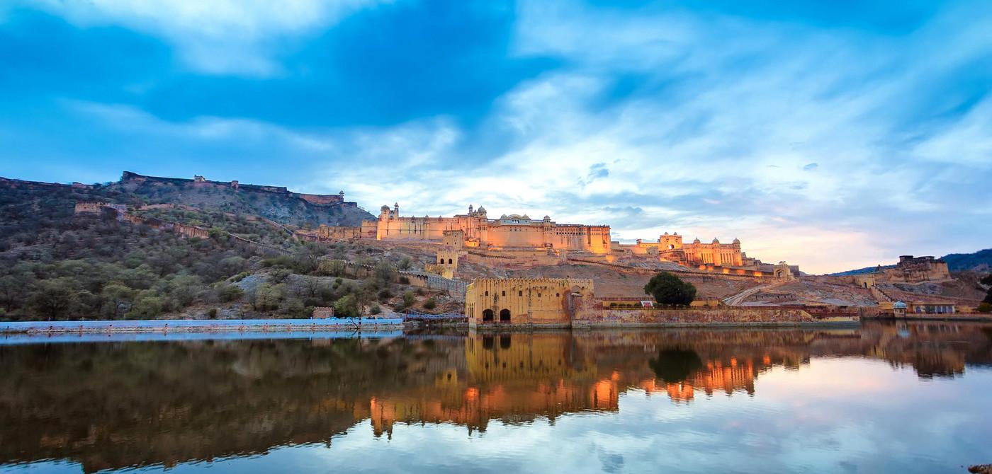Grand Luxury Tour to India